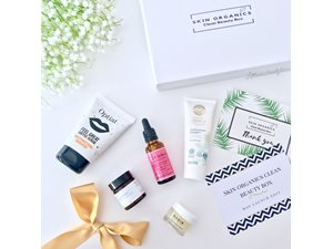 Skin Organics Clean Beauty Box